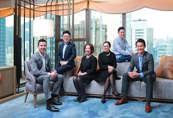 "St. Regis Hong Kong內部有一個口號為""We before me"",有一班同心協力的團隊,一起為理想打拼。"