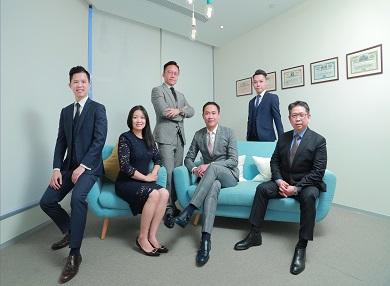 麒麟金融集團於2015年成立,由公司高層到前線同事均十分年輕,充滿朝氣。