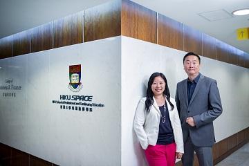 (左起)香港大學專業進修學院金融商業學院高級課程主任梁潔玲博士、金融商業學院課程主任江育才。